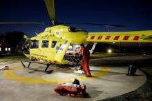 Helicòpter del SEM a l'heliport de l'Hospital Trueta